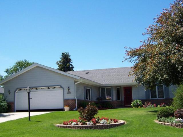 W162N10505 Auburn Ln, Germantown, WI 53022 (#1538582) :: Vesta Real Estate Advisors LLC