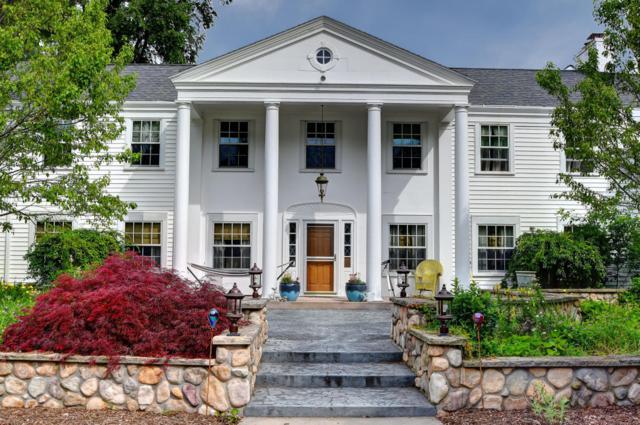 1400 E Fox Ln, Fox Point, WI 53217 (#1539221) :: Vesta Real Estate Advisors LLC
