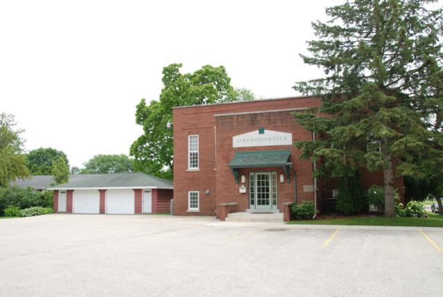 W65N640 Saint John Ave, Cedarburg, WI 53012 (#1539499) :: Vesta Real Estate Advisors LLC