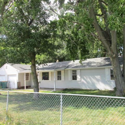 N96W16350 County Line Rd, Germantown, WI 53022 (#1540377) :: Vesta Real Estate Advisors LLC