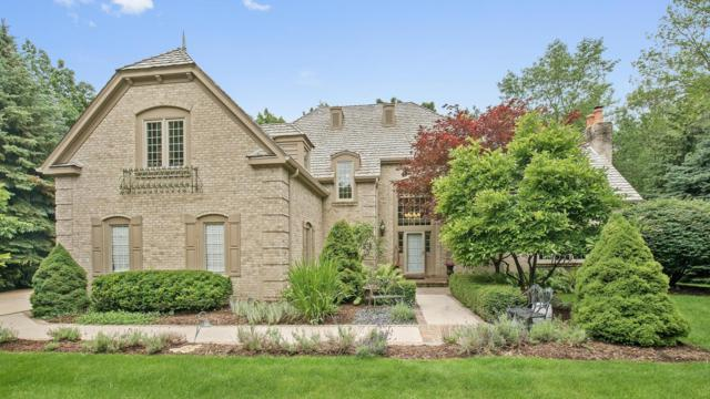 111 W Dogwood Ct, Mequon, WI 53092 (#1540453) :: Vesta Real Estate Advisors LLC
