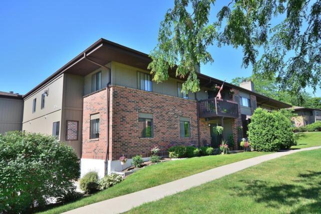 376 Park Hill Dr C, Pewaukee, WI 53072 (#1541383) :: Vesta Real Estate Advisors LLC