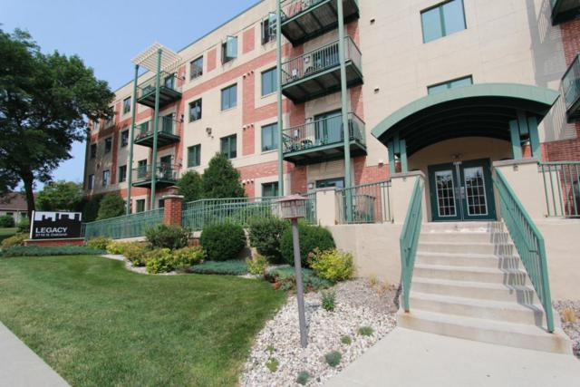 3710 N Oakland Ave #410, Shorewood, WI 53211 (#1541532) :: Vesta Real Estate Advisors LLC