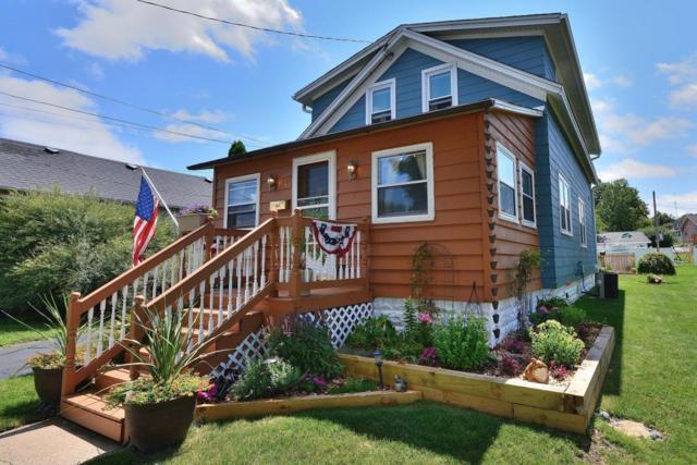 124 Park Ave, Pewaukee, WI 53072 (#1541777) :: Vesta Real Estate Advisors LLC