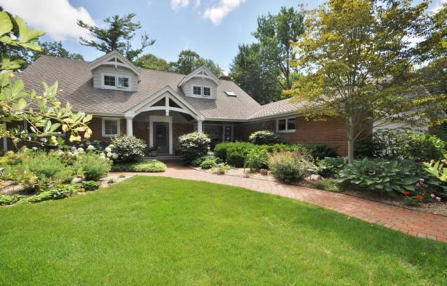 10130 N Sheridan Dr, Mequon, WI 53092 (#1542185) :: Vesta Real Estate Advisors LLC