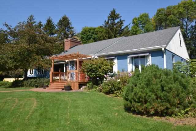N93W15408 Hillside Ln, Menomonee Falls, WI 53051 (#1543792) :: Vesta Real Estate Advisors LLC