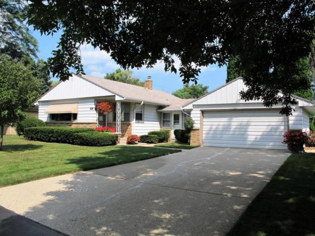 6958 N Seville Avenue, Glendale, WI 53209 (#1546636) :: Vesta Real Estate Advisors LLC