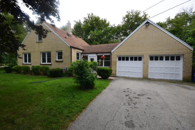 215 N Bobolink Dr, Brookfield, WI 53005 (#1546708) :: Vesta Real Estate Advisors LLC