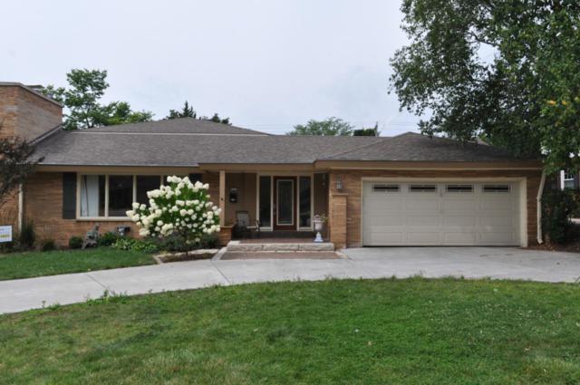 6121 N Lake Dr, Whitefish Bay, WI 53217 (#1546793) :: Tom Didier Real Estate Team