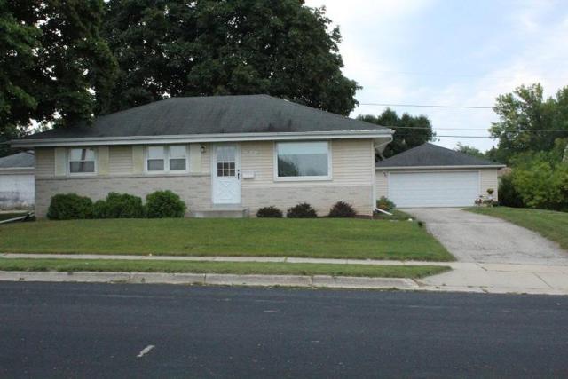 N85W14723 Macarthur Drive, Menomonee Falls, WI 53051 (#1546844) :: Vesta Real Estate Advisors LLC