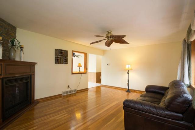 N56W15743 Scott Ln, Menomonee Falls, WI 53051 (#1546856) :: Vesta Real Estate Advisors LLC