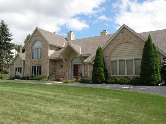 1400 Barrington Woods Dr, Brookfield, WI 53045 (#1546870) :: Vesta Real Estate Advisors LLC