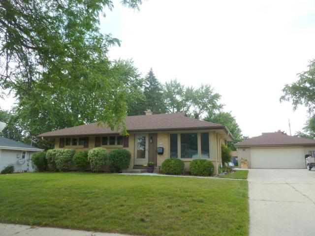 W150N8302 Saxony Dr, Menomonee Falls, WI 53051 (#1546894) :: Vesta Real Estate Advisors LLC