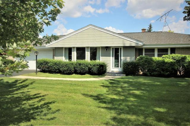2560 N Barker Rd, Brookfield, WI 53045 (#1546895) :: Vesta Real Estate Advisors LLC
