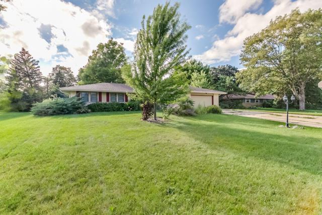 6705 N Braeburn Ln, Glendale, WI 53209 (#1547034) :: Vesta Real Estate Advisors LLC