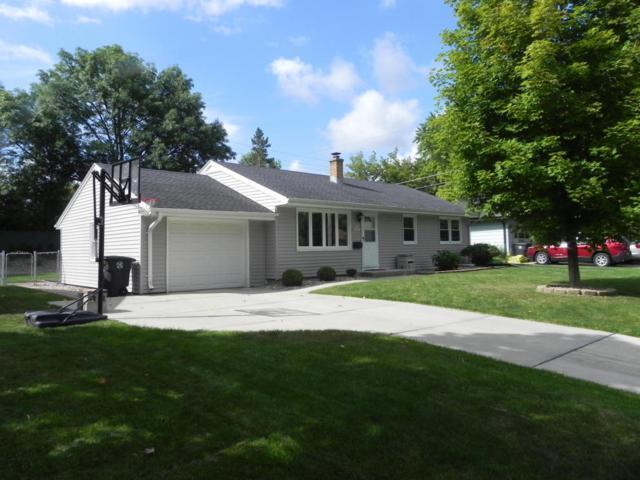 N92 W16991 Roger Ave, Menomonee Falls, WI 53051 (#1547036) :: Vesta Real Estate Advisors LLC