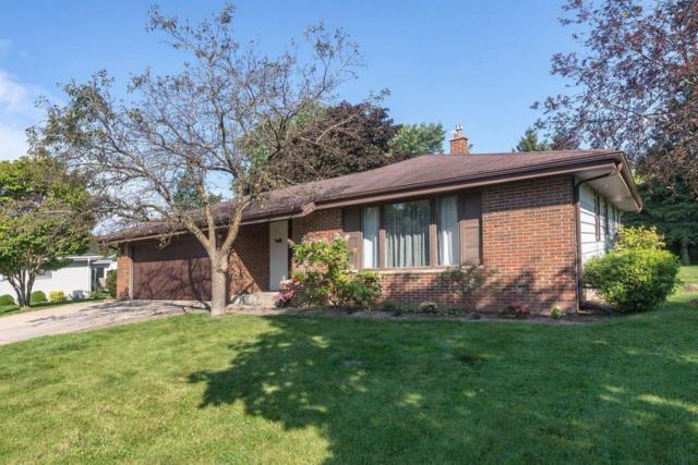 517 W Hollybrook Ln, Saukville, WI 53080 (#1548989) :: Tom Didier Real Estate Team