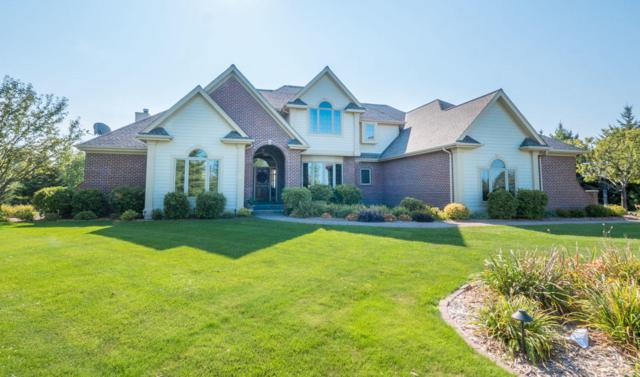 1169 Aspen Ct, Grafton, WI 53024 (#1549894) :: Tom Didier Real Estate Team