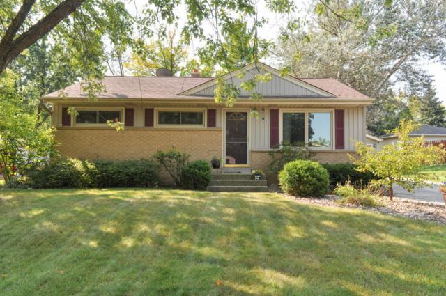 819 Evert St, Pewaukee, WI 53072 (#1549918) :: Vesta Real Estate Advisors LLC