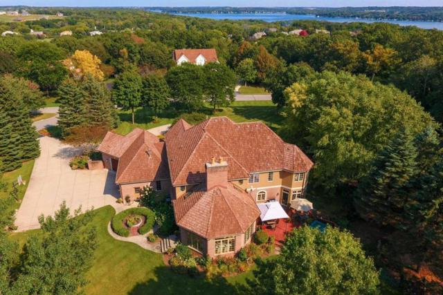 W304N2941 Hawksnest Ct, Delafield, WI 53072 (#1550560) :: Vesta Real Estate Advisors LLC