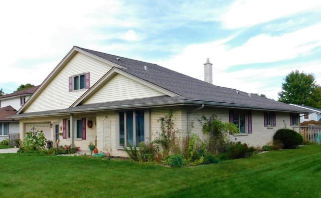 850 6th Ave, Grafton, WI 53024 (#1550673) :: Tom Didier Real Estate Team