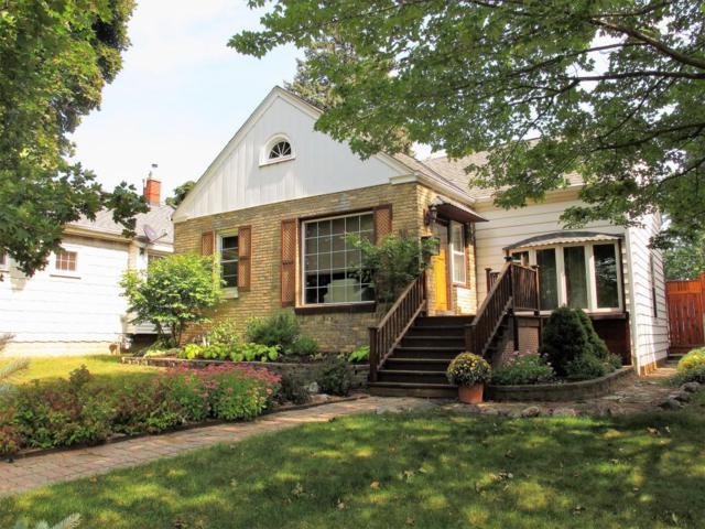 5564 N Iroquois Ave, Glendale, WI 53217 (#1550986) :: Vesta Real Estate Advisors LLC