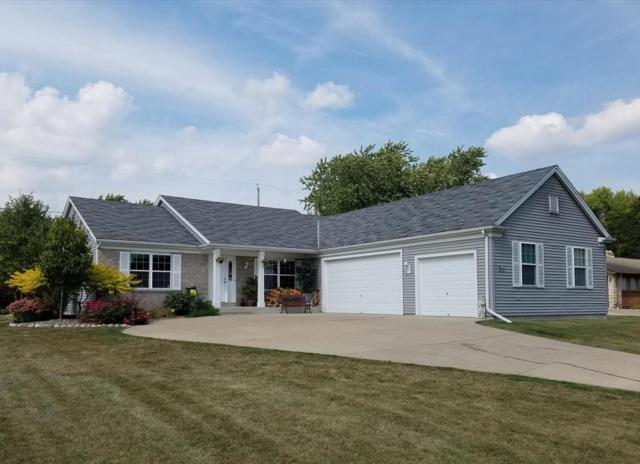 W226N3977 Country Ln, Pewaukee, WI 53072 (#1551054) :: Vesta Real Estate Advisors LLC