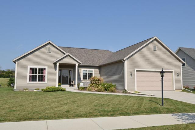 813 Greystone Dr, Port Washington, WI 53074 (#1551072) :: Tom Didier Real Estate Team