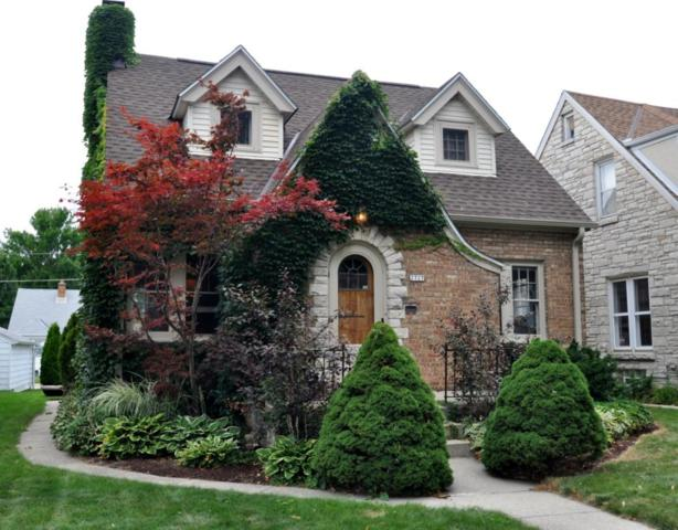 2727 N 73rd St, Wauwatosa, WI 53210 (#1551080) :: Vesta Real Estate Advisors LLC