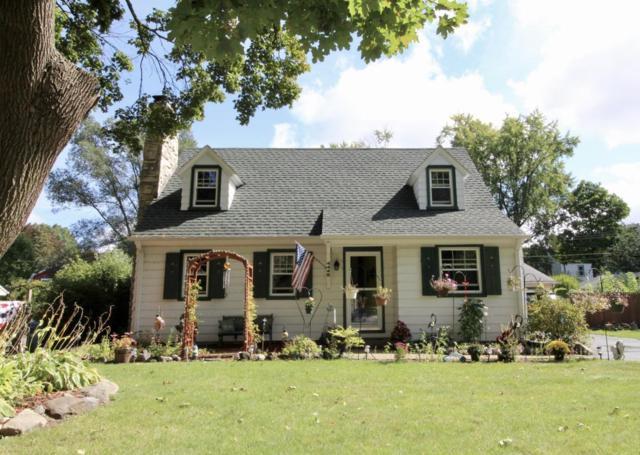 4446 N 106th St, Wauwatosa, WI 53225 (#1551147) :: Vesta Real Estate Advisors LLC
