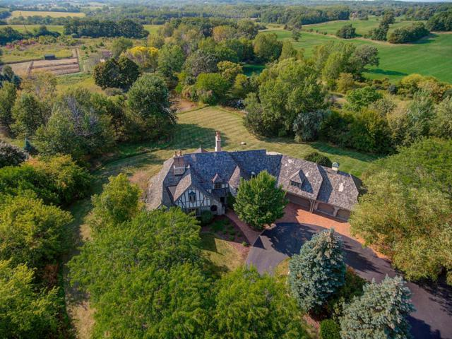S11W29586 Summit Ave, Delafield, WI 53188 (#1551314) :: Vesta Real Estate Advisors LLC