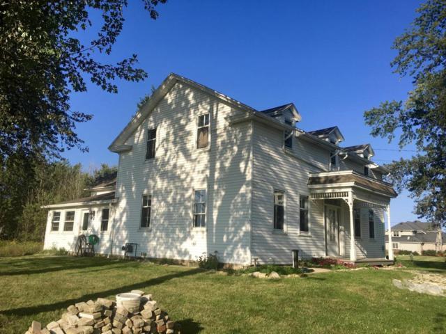804 Lakefield, Grafton, WI 53024 (#1552061) :: Tom Didier Real Estate Team