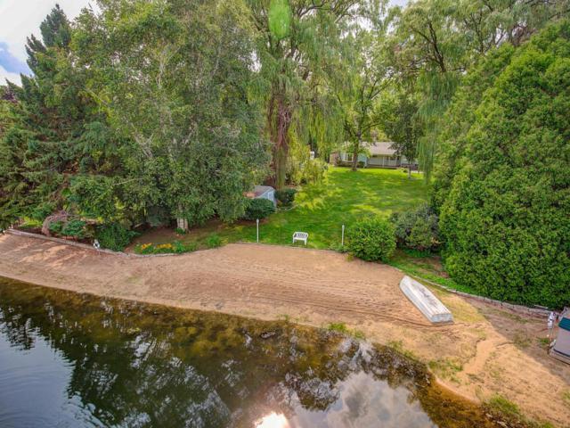6840 N Glen Shore Dr, Glendale, WI 53209 (#1555223) :: Vesta Real Estate Advisors LLC