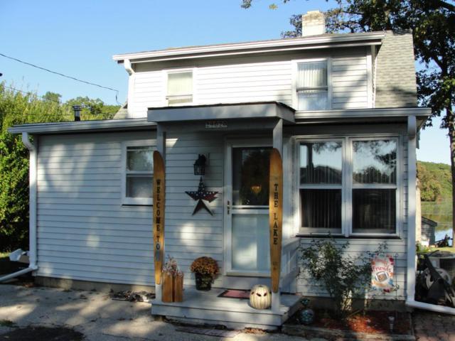 29020 Elm Island Dr, Waterford, WI 53185 (#1555240) :: Vesta Real Estate Advisors LLC
