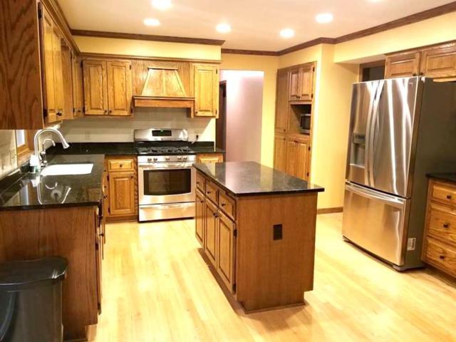 N24W30912 Fairway Ct, Delafield, WI 53072 (#1556795) :: Vesta Real Estate Advisors LLC
