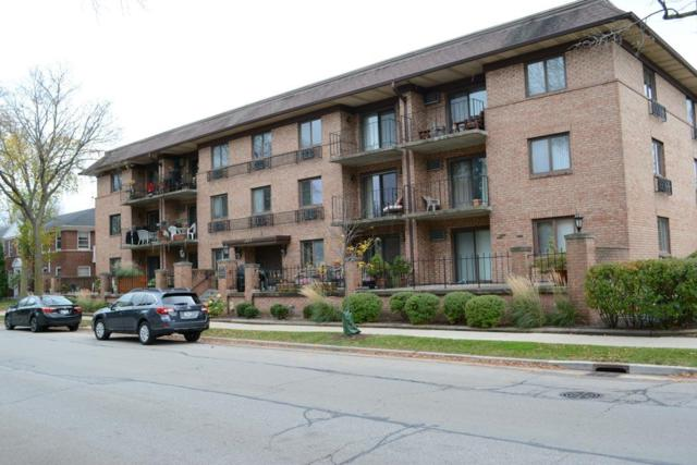 303 E Henry Clay St #306, Whitefish Bay, WI 53217 (#1557122) :: Tom Didier Real Estate Team