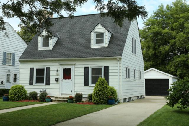 6109 N Lydell Ave, Whitefish Bay, WI 53217 (#1557138) :: Tom Didier Real Estate Team