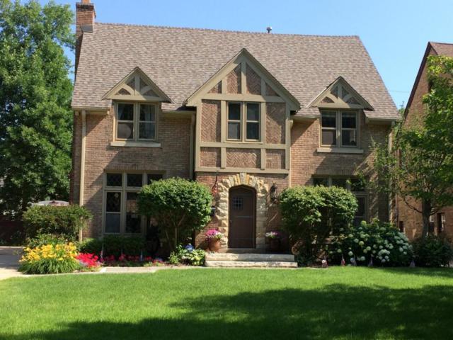 1038 E Circle Dr, Whitefish Bay, WI 53217 (#1557467) :: Tom Didier Real Estate Team