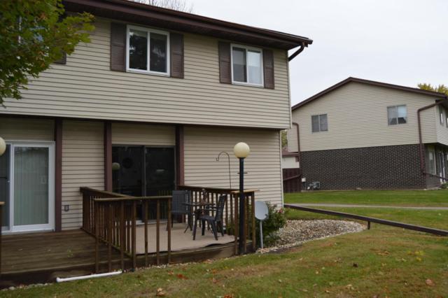N115W16541 Abbey Ct, Germantown, WI 53022 (#1557542) :: Vesta Real Estate Advisors LLC