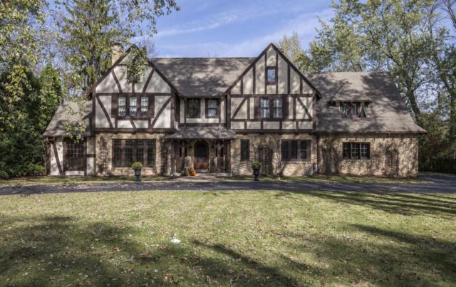 7880 N Club Cir, Fox Point, WI 53217 (#1557648) :: Vesta Real Estate Advisors LLC