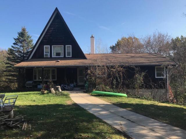 W336N746 Meadow Ln, Delafield, WI 53018 (#1558046) :: Vesta Real Estate Advisors LLC