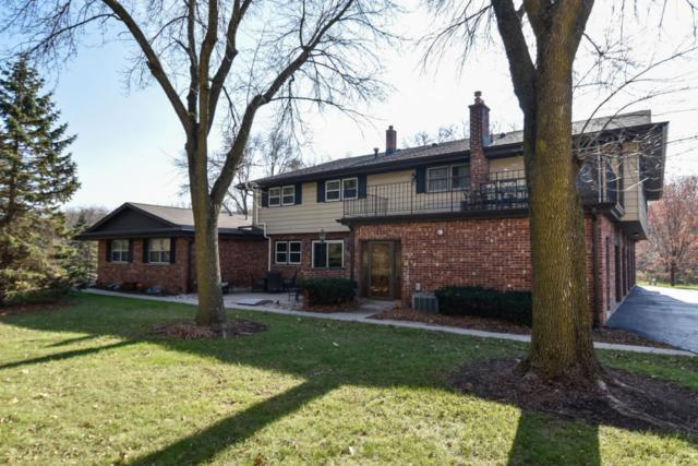 17621 Nassau Dr, Brookfield, WI 53045 (#1558165) :: Vesta Real Estate Advisors LLC