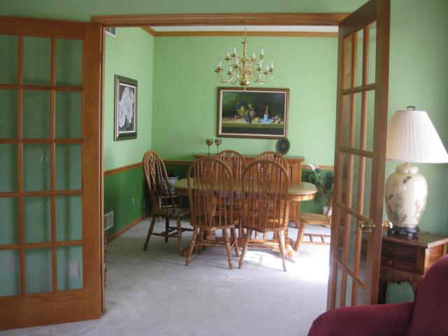n21w26712 Cattail Ct, Pewaukee, WI 53072 (#1558328) :: Vesta Real Estate Advisors LLC