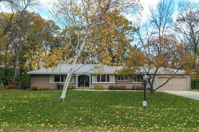 426 E Apple Tree, Fox Point, WI 53217 (#1558583) :: Vesta Real Estate Advisors LLC