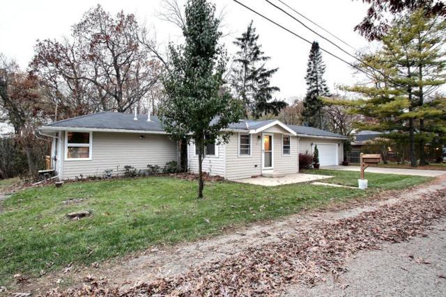 N22W28823 Oak Ln, Delafield, WI 53072 (#1558630) :: Vesta Real Estate Advisors LLC