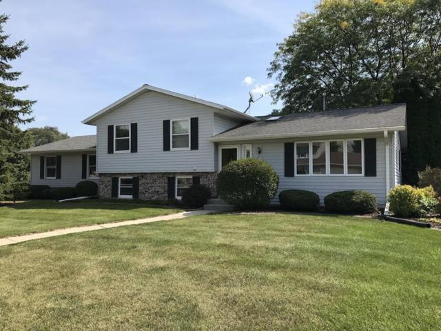 W233N7108 Blacksmith Ct, Sussex, WI 53089 (#1558922) :: Vesta Real Estate Advisors LLC