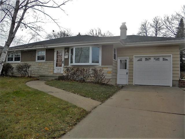 N85W16105 Donald Ct, Menomonee Falls, WI 53051 (#1559612) :: Vesta Real Estate Advisors LLC