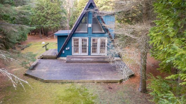W1418 Dewitt Rd, Holland, WI 53070 (#1559665) :: Tom Didier Real Estate Team
