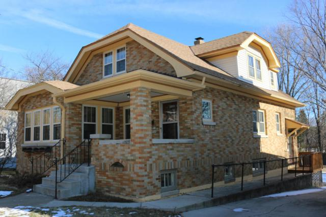 W57N520 Hilbert Ave, Cedarburg, WI 53012 (#1563303) :: Tom Didier Real Estate Team
