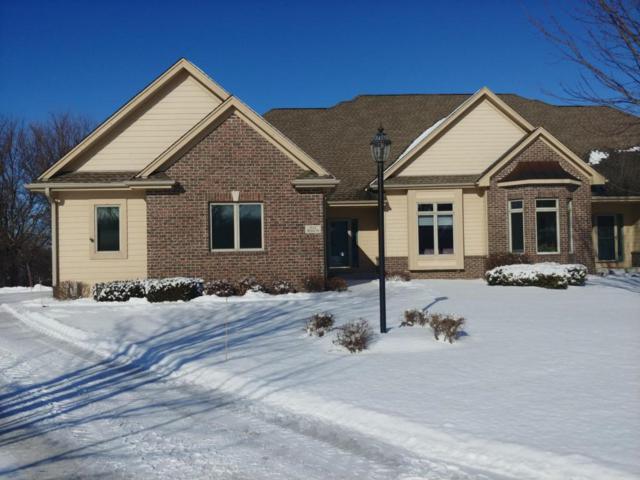N12W29178 Creekside Ct, Delafield, WI 53188 (#1563774) :: Vesta Real Estate Advisors LLC